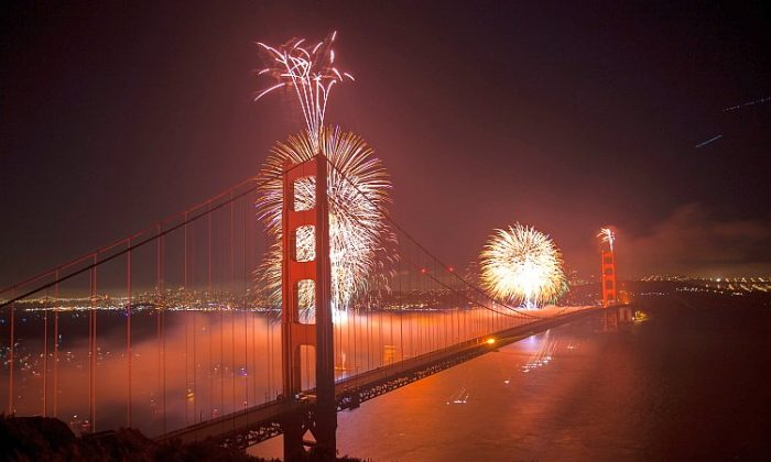 75th Golden Gate Anniversary fireworks at the Marin Headlands. (Deborah Yun/The Epoch Times)