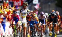 Cavendish Rockets to Tour de France Stage 18 Win