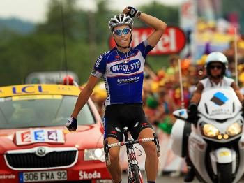 Sylvain Chavanel wins the maillot jaune and Stage Seven of the 2010 Tour de France. (Spencer Platt/Getty Images)