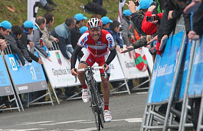 Joaquin Rodriguez of Katusha grimaces as he sprints to the finish in Stage Four of the Vuelta al País Vasco, April 5. The Katusha rider won Stage Five on April 6. (Katushateam.com)