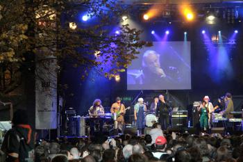 Concert on the 20th anniversary without a totalitarian regime on the Narodni Trida in Prague, Tuesday. (Milan Kajinek/The Epoch Times )