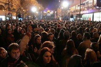 People commemorating the 20th anniversary of the Velvet Revolution, on the Narodni Trida, Prague, Tuesday. (Milan Kajinek/The Epoch Times )