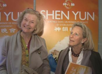 Truuske Verloop, an organizer for the TEFAF Maastricht art and antiques fair, along with her friend Carol Bentink, who is also involved in TEFAF. (Courtesy NTDTV)