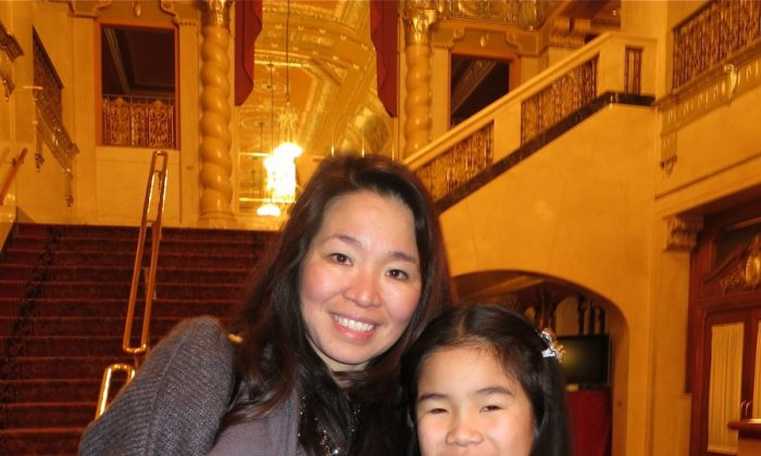 Andrea with her daughter, Tia, attend Shen Yun Performing Arts at Pittsburgh's Benedum Center on the evening of Feb. 16. (Sally Sun/The Epoch Times)