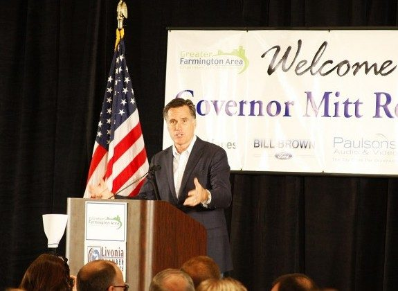 Republican presidential candidate Gov. Mitt Romney speaks at Farmington Hills Greater Area Chamber of Commerce luncheon, Feb. 16. (Ying Wan/The Epoch Times)