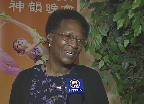 Ms. Olevia Brown-Klahn speaks about her Shen Yun experience in Toledo. (Courtesy NTD Television)