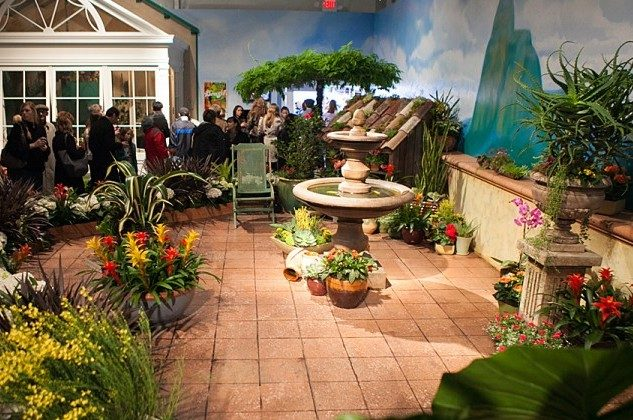 Macy's annual flower show starts on Sunday. (Benjamin Chasteen/The Epoch Times)