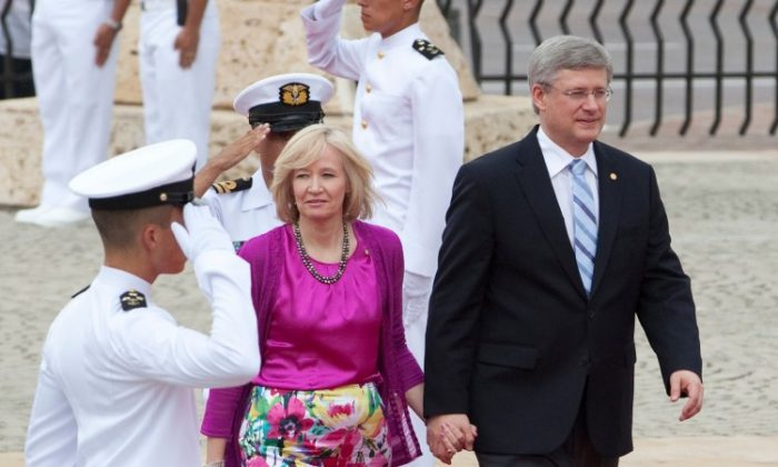 Prime Minister Stephen Harper and his wife, Laureen, arrive in Colombia on April 13 for the start of the Summit of the Americas. (PMO photo by Deb Ransom)