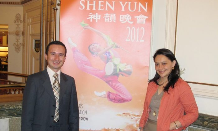 Mr. Restrepo(L), an Instructor for Aviation English at Copa Airlines, travelled from Colombia with his wife Liz Romero(R) to see Shen Yun perform. (The Epoch Times)