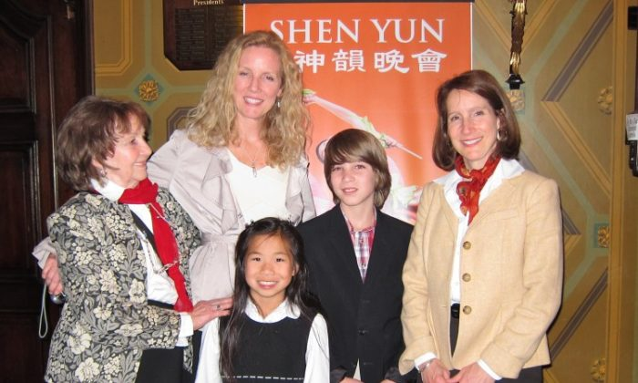 (R to L) Regina Shillinglaw; son, Jackson; daughter Mei Mei; sister, Leslie Dillingham; and mother, Ruth Palmer attend Shen Yun Performing Arts at the Ohio Theatre. (Valerie Avore/The Epoch Times)