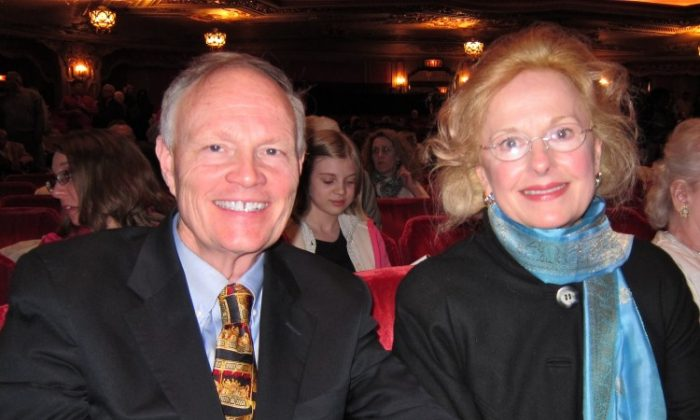 Alan and Angelique Smith attend Shen Yun Performing Arts, on Friday, at the Ohio. (Valerie Avore/The Epoch Times)