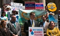 Environmental Group Confronts Cuomo on Fracking Stance