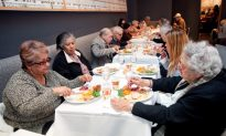 NYC Restaurant Opens Its Heart on Thanksgiving