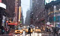 New York Prepares for Wintery Weather