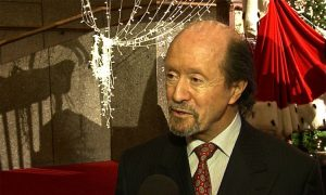 China Expert/Former Diplomat Finds Hope in Shen Yun