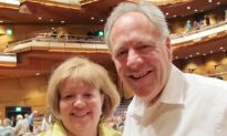 'The eternal perspective' of Shen Yun Fascinates Mesa Audience Member