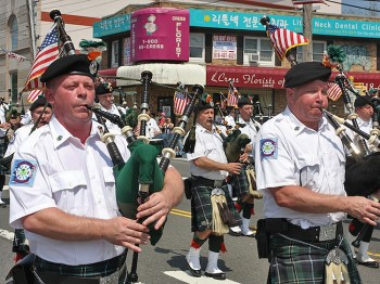 THE PIPES: The FDNY Bagpipe band marches during the Little Neck Douglastown Memorial Day Parade in Little Neck, Queens. (Zack Stieber/The Epoch Times)