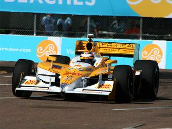 Ryan Hunter-Reay will have to defend his 2010 Long Beach win from second place. (James Fish/The Epoch Times)