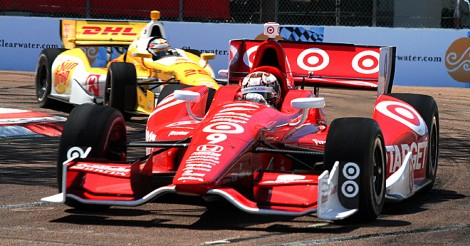 Scott Dixon leads Ryan Hunter-Reay out of Turn Four later in the IndyCar St. Pete Grand Prix. (James Fish/The Epoch Times)