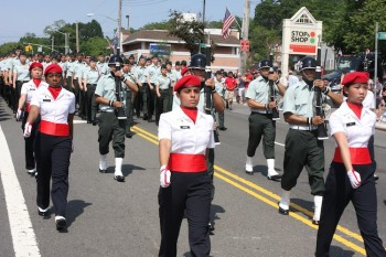 ROTC MARCH: The Junior Reserve Officers� Training Corp. (ROTC) program of Francis Lewis High School maintains a high level of discipline during the Little Neck Douglastown Memorial Day Parade in Little Neck, Queens (Zack Stieber/The Epoch Times)