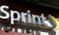 Sprint Records Bigger Loss on iPhone