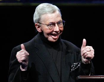 Roger Ebert accepts the ShoWest Career Achievement in Film Journalism Award at the Paris Las Vegas during ShoWest on April 2, 2009 in Las Vegas, Nevada.  (Ethan Miller/Getty Images)