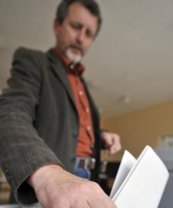 Irish general election will take place in early 2011 (JOHN MACDOUGALL/AFP/Getty Images)