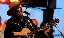 Creedence Clearwater Front Man John Fogerty Plays Free Show