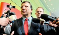 Barroso Can't Convince European Socialists