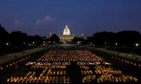 Thousands Meditate in Solidarity Against the Persecution of Falun Gong