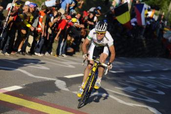 Cadel Evans of Australia on his way to winning the elite men's road race of the UCI cycling road World Championships on September 27, 2009 in Mendrisio, Switzerland.  (Gabriele Putzu/AFP/Getty Images)