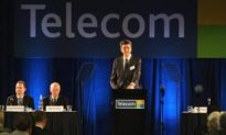 Telecom New Zealand CEO Takes Bonus Cut