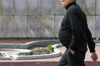 Belly fat means an increased risk of death, according to a study by the American Cancer Society. (Alfredo Estrella/AFP/Getty Images)