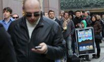 Apple iPad Goes on Sale, App Store Starts Humming