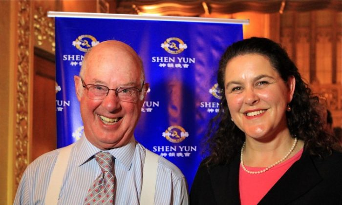 Douglas Heywood and Alexandra Cameron attend Shen Yun Performing Arts in Melbourne's Regent Theatre. (Chen Ming/The Epoch Times)