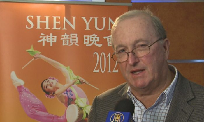 Alan Lawrenson talks about his Shen Yun Performing Arts experience at Sydney's Capitol Theatre on Tuesday evening. (Courtesy of NTD Television)