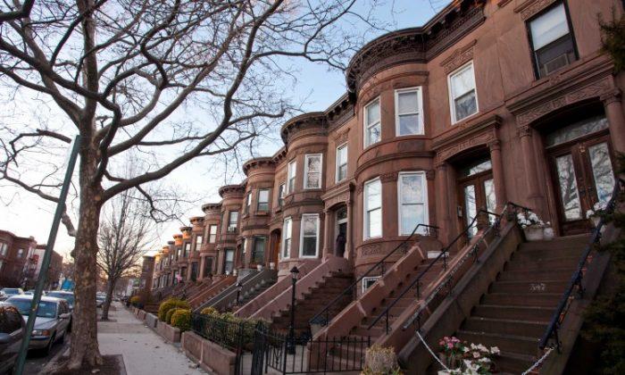 House rows in Bay Ridge, Brooklyn seen on Jan 18. (Amal Chen/The Epoch Times)