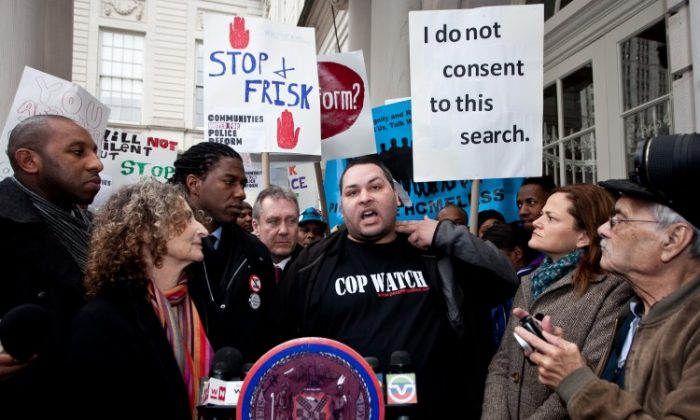 Steve Kohut of Communities United for Police Reform gestures as he recalls being subjected to a stop-and-frisk. (Amal Chen/The Epoch Times)