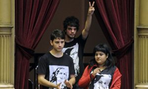 Argentina Law Lowers Voting Age to 16