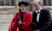 Burma's Suu Kyi Returns to Oxford Two Decades Later