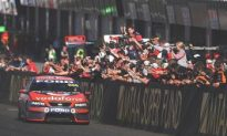 V8 Supercars-Hat-trick at 2008 Bathurst 1000