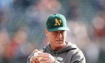 Bob Melvin wins the 2012 AL Manager of the Year Award