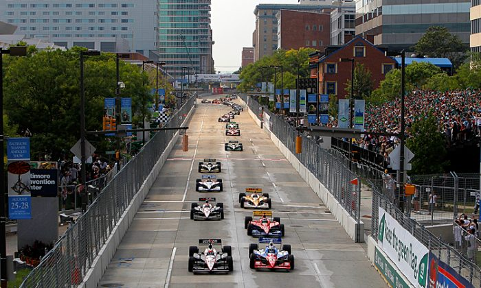 Will Power leads the field during the start of the 2011 IndyCar Baltimore Grand Prix. (Jonathan Ferrey/Getty Images)