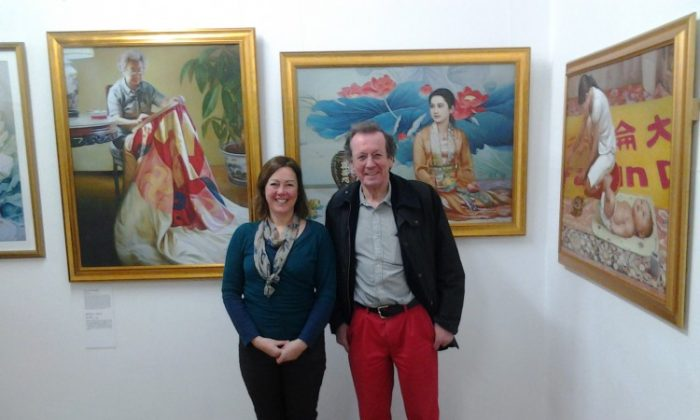 Rebecca James with the Mayor of Bristol, George Ferguson, at the Island Gallery exhibition of The Art of Zhen Shan Ren (Truth, Compassion and Forbearance). (The Epoch Times)
