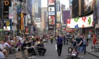 New Yorkers Enjoy New Broadway Pedestrian Malls