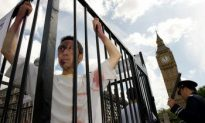 Falun Gong Marks 10 Years of Persecution in Parliament Square