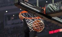 Knicks Top Hawks; Anthony Scores 39
