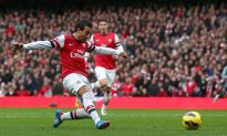 Arsenal Crushes 10-Man Spurs After Adebayor Moment of Madness