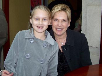 Cindy and granddaughter Ally from Raleigh, N.C., at Shen Yun on Saturday Jan. 22. (Thai Ton/The Epoch Times)