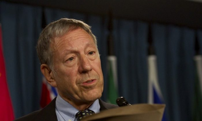 Liberal justice and human rights critic Irwin Cotler says a current ban on visas that affects heroes of the South African anti-apartheid movement is still causing hurt feelings to this day. (Matthew Little/The Epoch Times)